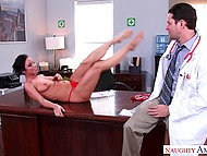 Raunchy doctor needs to lick and fuck Jada Stevens' pussy for right diagnosis 4
