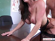 Well-rounded anatomy teacher Kendra Lust has practical lesson with talented student 10