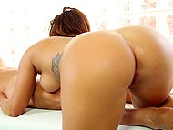 Dick got hard and masseuse understood it was a good chance to earn extra money for sex 6