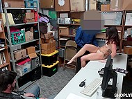Poor man forced to watch how his daughter is penetrated by security guard in backroom 4