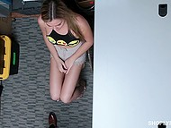 Hottie with watering eyes is in trouble so now she is required to orally satisfy head of security 8