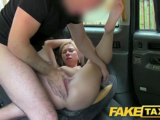 Polish passenger with giant breasts chats with taxi driver about weather and pays for ride with pussy