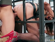Level of passion inside brunette is growing and doctor frees he from the cage for fucking 4