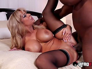 Mature woman with giant boobs doesn't want a green dude in bed but bruiser with BBC