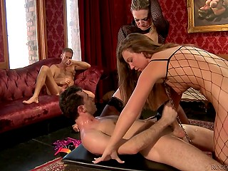 Italian nobleman and his young colleague let three crazy sluts treat their cocks by turns