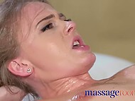 Who else can lead shy-looking girl to squirt if not an experienced masseur in parlor 8