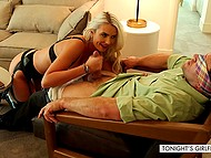 Stunning pornstar Gigi Allens relaxes in hotel room with buddy who wanted to be dominated 4