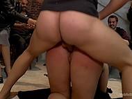 Жопастую сучку унижают в баре и в конце обильно спускают всю сперму в сладкий ротик