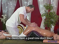 Professional masseur with rich experience knows that young colleen wants sweet continuation 7