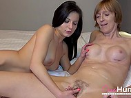 Czech couple comes to mature lady and guy films brunette girlfriend fingering her pussy