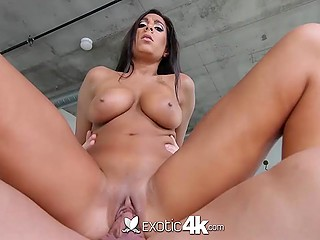 Spectacular Latina with big juicy tits likes to pour gorgeous body with water before pussyfucking