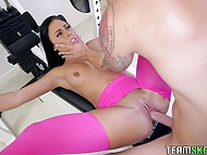 Brunette finds out that real workout is blowjob, cunnilingus, and active pussy drilling right in the gym 11