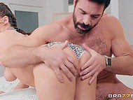 Hottie Jojo Kiss has fun with friend's handsome stepfather while waiting for her arrival 5