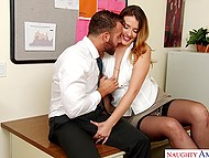 Young secretary with beautiful face finds out that bearded boss is excited and gives him blowjob 5