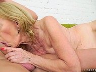 Old woman stops reading to give young lover feet for licking and enjoy cock in vagina 10