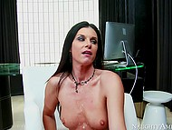 Man has no money to pay for India Summer's services so she puts him to work on her twat 11