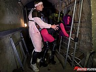 Female alien forced human buddy to fuck her bald pussy hard right in strange corridor 10