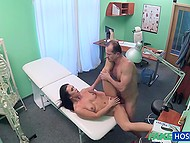 Experienced Czech doctor quickly realizes that brunette patient needs sexual prevention