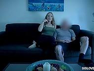 Сводный брат трахает девушку и она не ожидает, что он наполнит спермой её гладкую пилотку 4