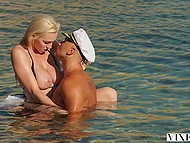 Natural blonde Kendra Sunderland seduces yacht captain as part of her revenge towards boyfriend 4