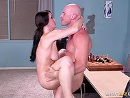 Bald nerd teaches hot cheerleader Noelle Easton to play chess and she gives him sex surprise