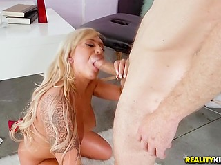 Smoking-hot boss Brandi Bae polishes worker's dick making guy cum all over her face