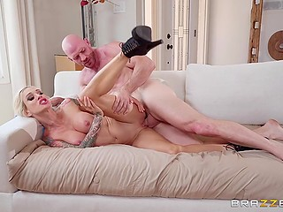 Sex toys delivery girl with massive tits decides to check cock power of bald man using mouth and vag