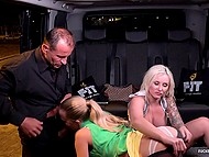Blonde MILF with big boobs and petite girl have a threesome in the backseat of cab 7