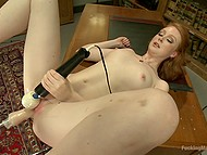 Teen needs powerful fucking machine to make it with her so soullessly but orgasmic