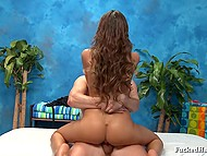 Masseur found female August Ames horny on the massage table and was obliged to satisfy client 11