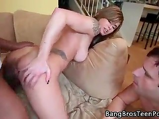 Huge schlong of black fucker stretches snatch of white bitch in her husband's presence