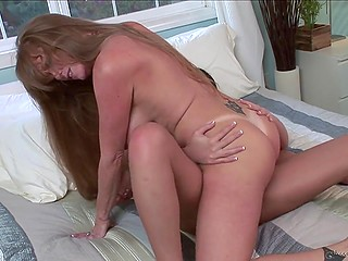 Mature Darla Crane shares rich lesbian experience with sweet brunette Andy San Dimas