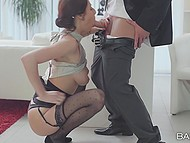 Come-hither secretary with natural jugs met boss not with bread and salt but with mouth and pussy
