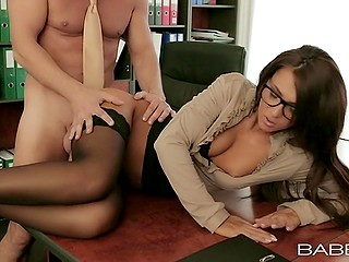 Nerdy secretary with beautiful face becomes boss' lover and this collaboration gives benefits to both of them