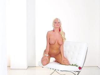 When somebody looks at platinum blonde lovely Ivy Ferguson, he wishes to be kissed by her
