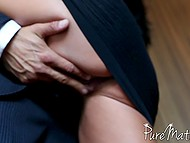 Porn video of oral sex between man and stepmother Ava Addams who agrees to be face-fucked after shower 4