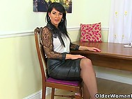 Dark-haired women from the United Kingdom don't lose the opportunity to brag about pantyhose 6