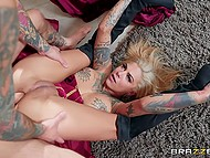 Inked guy cheats on GF with fortune teller Bonnie Rotten who loves nasty fuck that makes her squirt 7