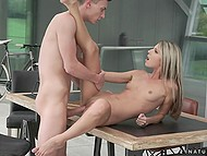 Russian model Gina Gerson sucked a bit so that client got excited and was ready to spend money to be carnal