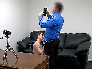 Sensual stunning porn model gets her shaved twat licked by agent before giving him blowjob back