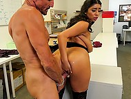 Tender pussy of super-sexy subordinate with gorgeous tits has to be penetrated by Tommy Gunn 5