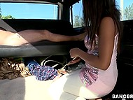 Amateur fuck in car gives a little bit experience to Ebony girl with beautiful natural tits 11