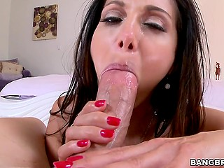 Cougar with impressive melons Ava Addams polishes partner's dick using skillful mouth