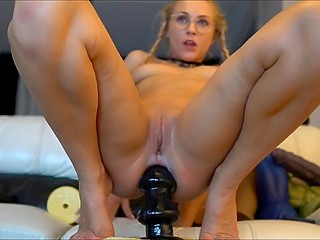 Depraved online slut from Holland humps own asshole with the help of ribbed artificial cock