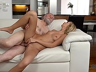 New day begins for tanned blonde Jenny Smart and her old lover with unhurried sex