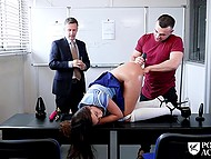 Experienced sex teacher shows young couple how to stretch girl's ass before anal sex 9