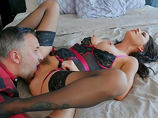 Hung man cheats on wife with slutty neighbor Gia Dimarco who adores hard drilling