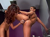 Bald girl Blowjob hammer ass latina, but soon she attacks her with a Dildo