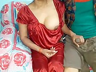 Indian woman likes red dress so much that she isn't going to take it off during amateur fuck 4