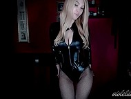 Blue-eyed blonde Violet Doll can make guys cum without taking off a leather bodysuit and fishnet stockings